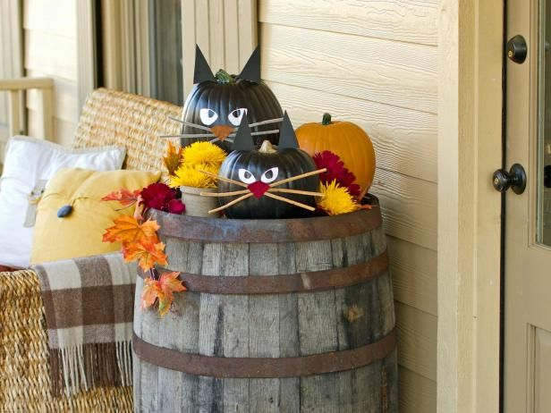 Throw a spooktacular monster mash with HGTV's best crafty Halloween decorating and party ideas paired with Food Network's top Halloween recipes.