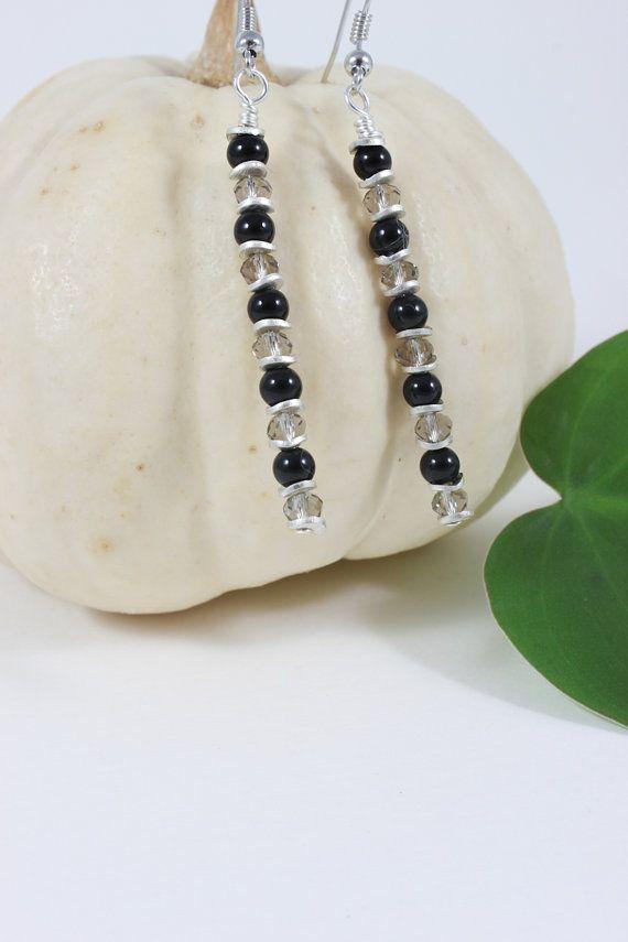 Lagori| Long earrings| Beaded earrings| Black earrings| Silver coin elements
