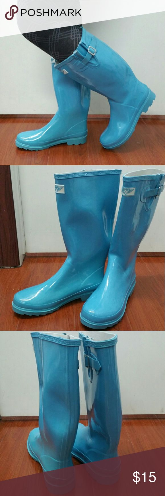 "Woman Knee-high Rain boots, #3106, Turquoise Very lightly used stunning turquoise woman tall rainboots by Forever Young. May have minor cosmetic scuffs. 100% rubber rain boots!!! Approx. 14"" tall, rainboot leg circumference approx. 15"". Rain boot runs half a size larger than your regular shoes.  They are taller than galoshes and protect your feet better while you garden or just walk in the fall or winter rain. Not made for wide calves. A true staple in ladies shoes fashion! Forever Young…"