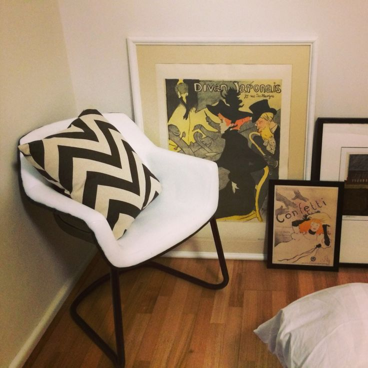 $7 chair from tip to DIY feature piece for the bedroom and $3 frame. Nailed it!
