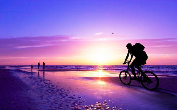 """Encontre a Missão da sua Alma e Elimine o Sentimento de Vazio Interior. Encontrar a missão da sua alma é olhar para cada situação da sua vida e analisar se isso é bom ou é ruim? Isso me faz feliz ou não?… é entrar em contato o tempo todo com aquilo que traz harmonia para o seu coração… usar a percepção do coração é aplicar todo o universo de sabedoria do seu Ser para determinada situação.  É importante que você comece a olhar para sua vida. Se pergunte:""""Estou feliz no meu relacionamento..."""