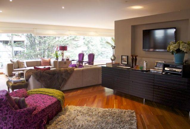 En este momento el apartamento esta en remodelacion hasta dentro de dos semanas, aproximadamente para marzo, apartamento de 237 M2, edificio ganador del diseño art nouvean francés con modernismo. Mas información y fotos en: http://www.clasinmuebles.com/properties/bogota/hermoso-apartamento-en-rosales-512.html