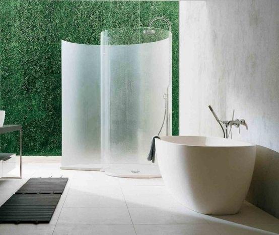 Bagno con dicondra verticale utilizzanzo il sistema Argentino : Bagno eclettico di Dotto Francesco consulting Green