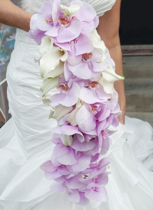 Featured Photo: Sarah Elizabeth, Featured Wedding Flower: Planet Flowers; 22 Amazingly Beautiful Wedding Bouquet Ideas. To see more: http://www.modwedding.com/2014/01/19/22-amazingly-beautiful-wedding-bouquet-ideas/ #wedding #weddings