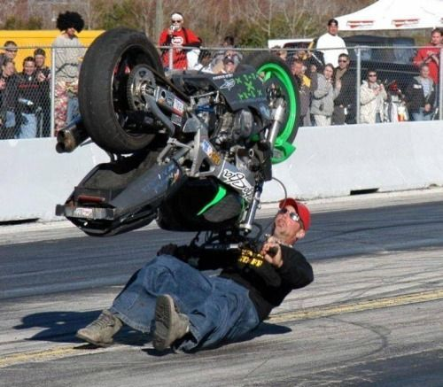 Funny Accidents Photos:SMS111 Provides Wide Range Funny Accidents Wallpapers HD. Download the Best Funny Accidents Pictures.