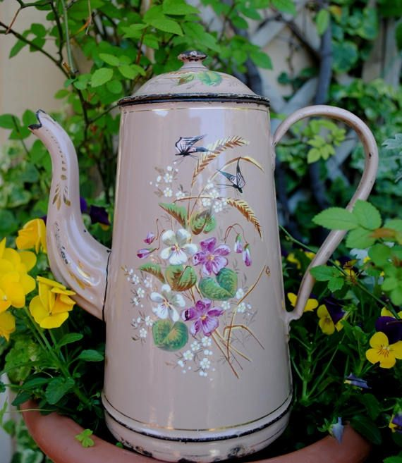 Enameled  French COFFEE Pot  PINK hand painted VIOLETS, Spikes & Butterflies Etoile Pen di villavillacolle su Etsy