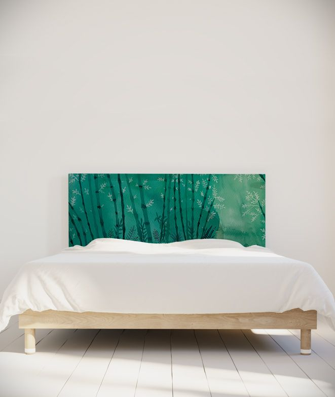 """""""Forêt"""" par Suzy Verger"""".  Suzy Vergez  Des fougères en spirale, une feuille d'acacia, de noyer, de ficus, et une forêt de bambou ! Mes motifs sont inspirés du monde végétal d'ici et d'ailleurs. C'est l'occasion de recréer un petit cocon de nature dans son habitat, au cœur même de son intimité, près du lit. #tetedelit #decoration #chambre #lit #ideesdeco #maisondecoration #francedesigninterieur #projetdecoration #madeinfrance #artiste #headboard"""