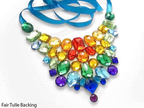 Arc en ciel lumineux collier en strass, collier plastron arc en ciel, collier plastron strass coloré, arc en ciel fierté collier