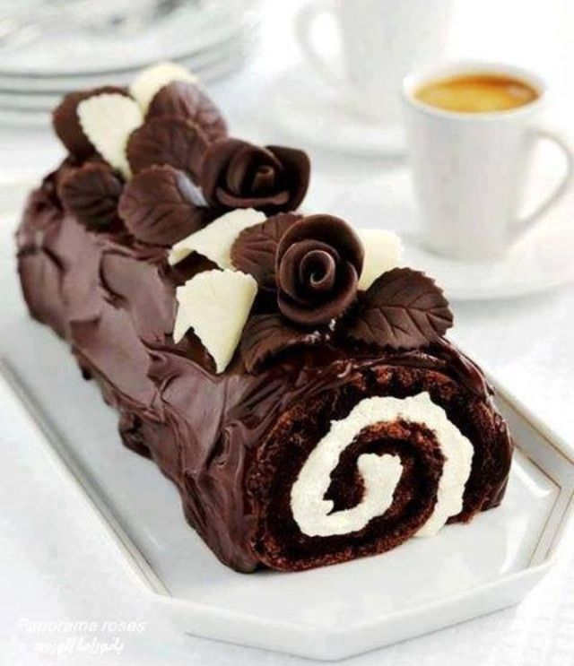 OMG looks so good but way to much chocolate.... wait how can there ever be to much chocolate!