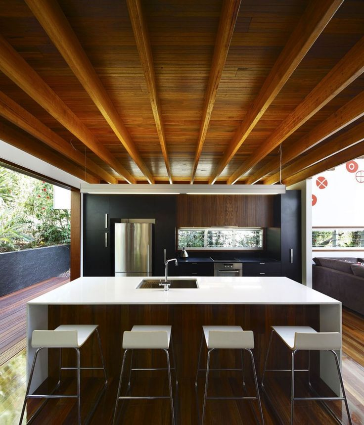 The Lockyer Residence by Shaun Lockyer Architects with Arkhefield