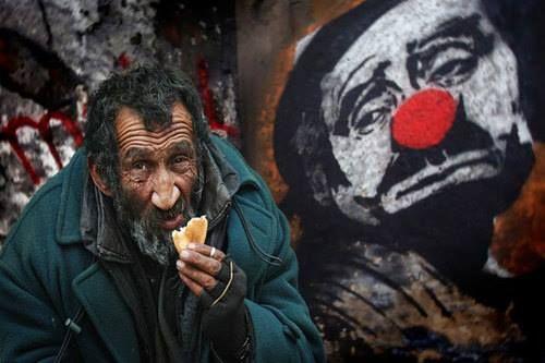 Mercado dá comida de graça para pessoas carentes, veja