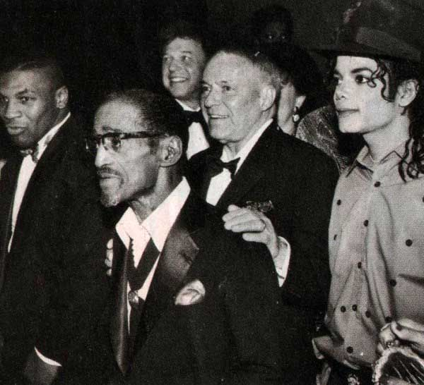 Mike Tyson, Sammy Davis Jr, Frank Sinatra and Michael Jackson   Rare and beautiful celebrity photos