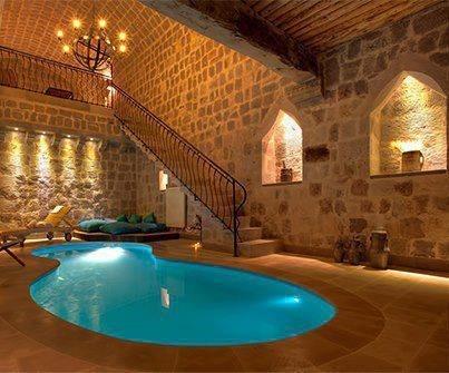 piscina sotterranea!