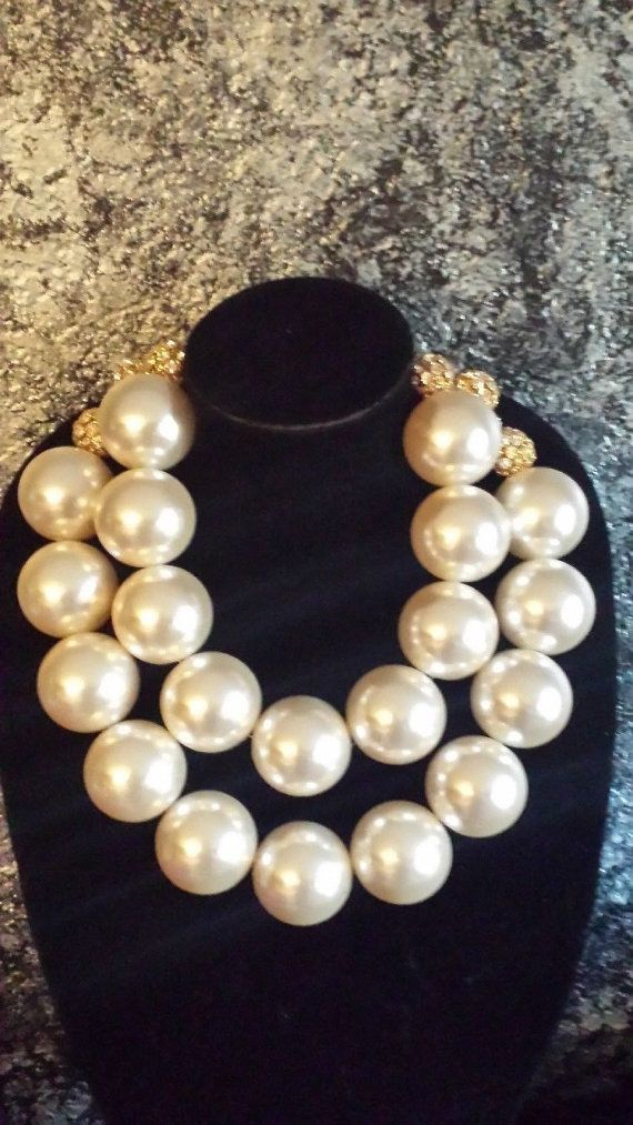 Ginormous HUGE Faux Pearl Statement Necklace IRIS APFEL Rare Scarce Jackie O Jewelry Necklace on Steroids Wilma Flintstone Couture Sexy Bold