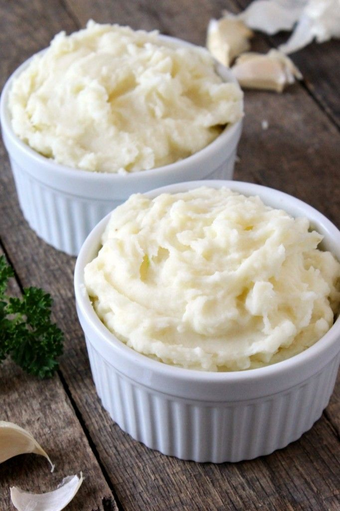 Easy Garlic Mashed Potatoes | Natural Chow