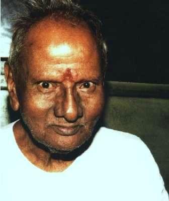Regardez en arrière, remontez vers la source : Sri Nisargadatta Maharaj