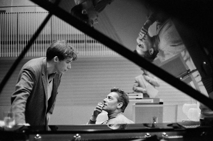ERICH LESSING GERMANY. West Berlin. 1957. Canadian pianist Glenn GOULD (left) and Austrian conductor Herbert von KARAJAN during a rehearsal