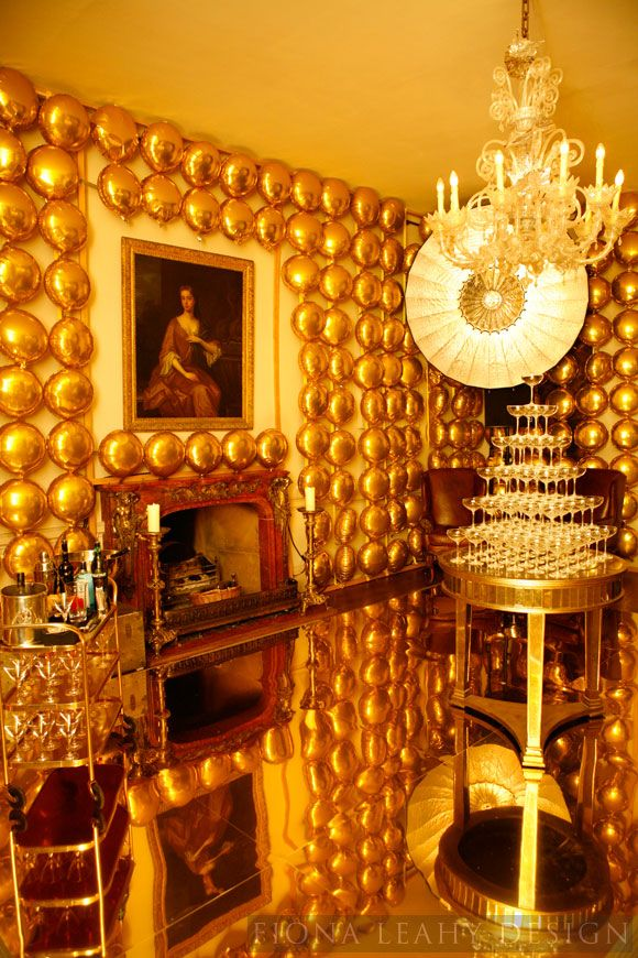 Walls of gold mylar balloons. Of course @Fiona Leahy 's b-day would be this fabulous.