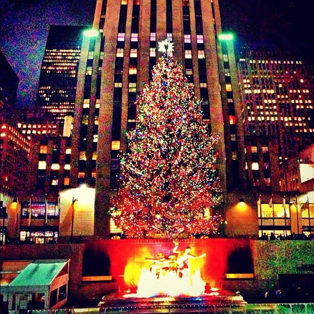 Rockefeller Center Christmas Tree 2013: NYC Holiday Scavenger Hunt: 10+ Handpicked Ideas To