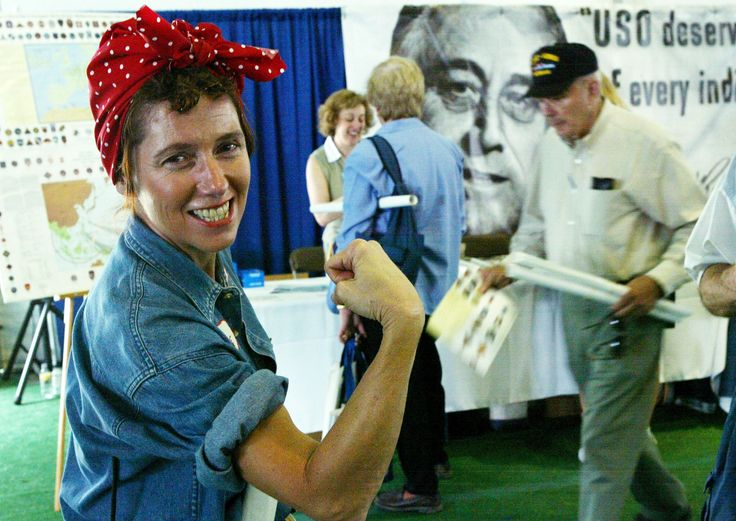 How to Tie a Bandana Like Rosie the Riveter