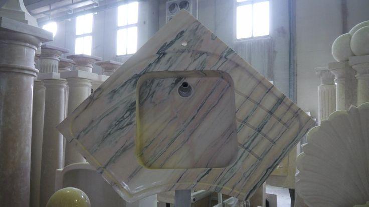 Lavello in granito - http://www.achillegrassi.com/it/project/lavello-in-granito-multicolor-lucido/ - Lavello in Granito Multicolorlucido  Dimensioni: –  110cm x 110cm x 20cm