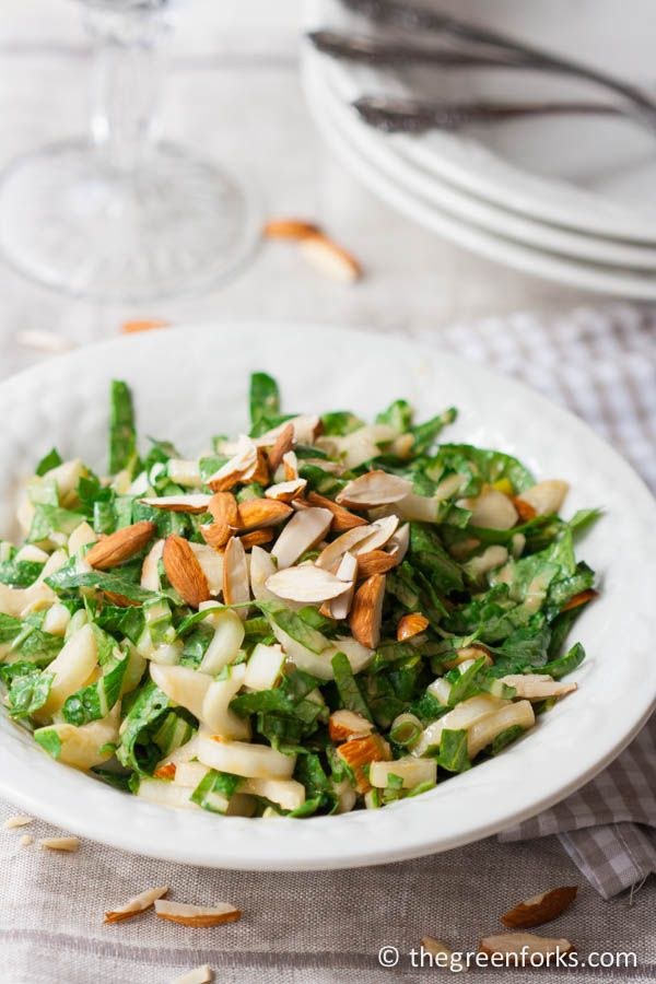 Creamy, Sweet, and Crunchy- Bok Choy Salad @ TheGreenForks.com #vegan #healthy