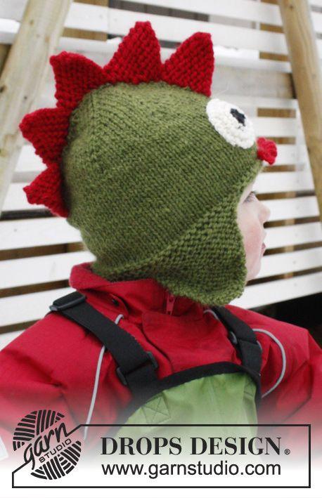 Gebreide DROPS drakenmuts met oorflappen van Alaska. Maat 3-12 jaar Gratis patronen van DROPS Design.