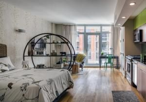 Median rent in Brooklyn hits $2,890, virtually in the same league as Manhattan