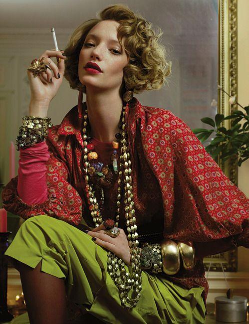 -Loulou de la Falaise-  *Créatrice de Bijoux pour 'le Couturier Yves Saint Laurent..'