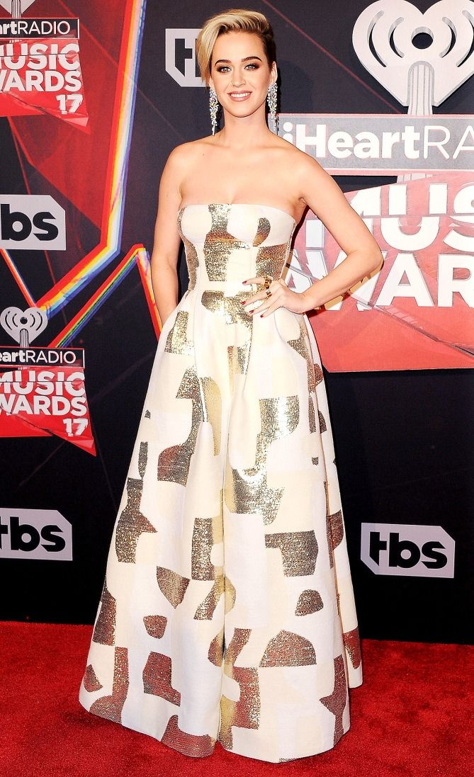 Katy perry in a strapless August Getty Atelier wide-leg jumpsuit