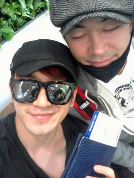 11 May 2012 M's FB: This time round, go go-ssing to Taiwan~^^ With pretty Choongjae~