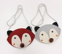Darling felt pouch purse. Complete with button eyes and spotted puff nose. Matches perfectly with our fox socks!