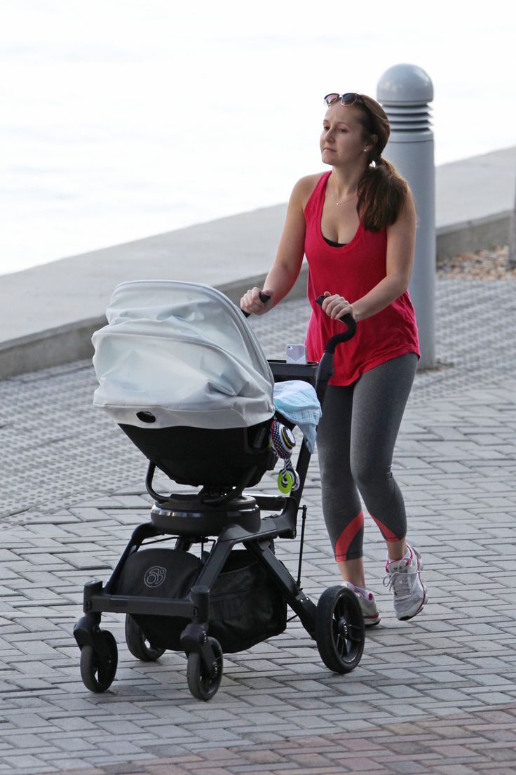 Ashley Hebert Takes A Stroll With Her Son - http://site.celebritybabyscoop.com/cbs/2014/12/20/ashley-hebert-stroll #AshleyHeberts, #Babyboy, #Bachelorette, #Florida, #FordhamRosenbaum, #Newborn, #Stroller