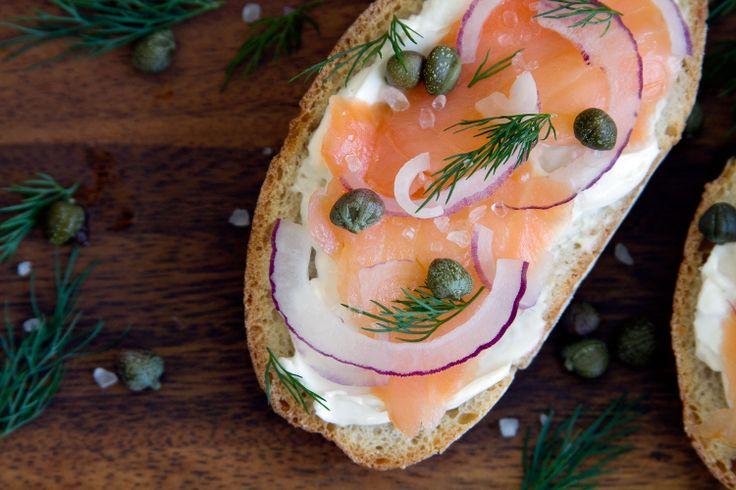 smoked salmon crostini | kitchen - breakfast | Pinterest