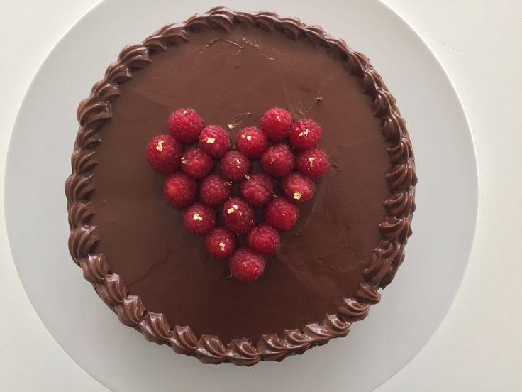 Chokoladekage med hindbær & Karamel