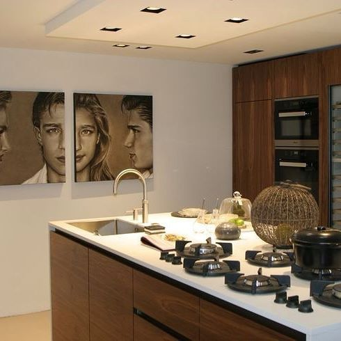 The intelligent, innovative equipment is of high quality, is highly functional and can be tailored to match everyone's style of cooking. The end result will be that all parts work together in perfect harmony. A unique hob for a unique kitchen. @winningappliances #kitchen#interiors#design #architect #builder#madeinholland #pittcooking