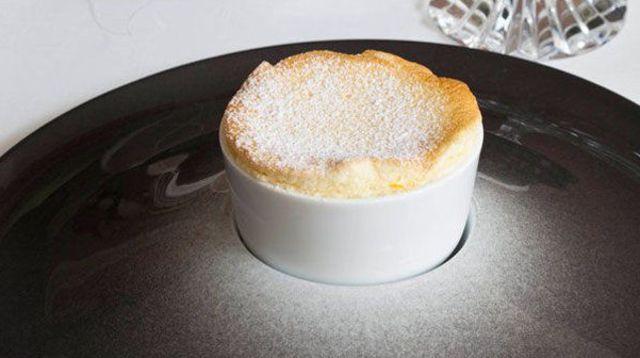 Le soufflé chaud au Grand Marnier : une recette d'Anne-Sophie Pic