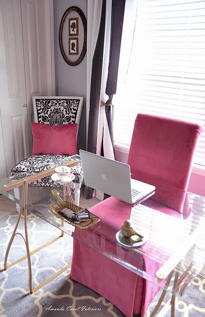 a very femenine work space...I adore this excluding the pink. Can I get purple, zebra or some variations of blue