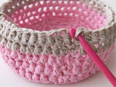 How to make a crochet basket tutorial via Tuts+.