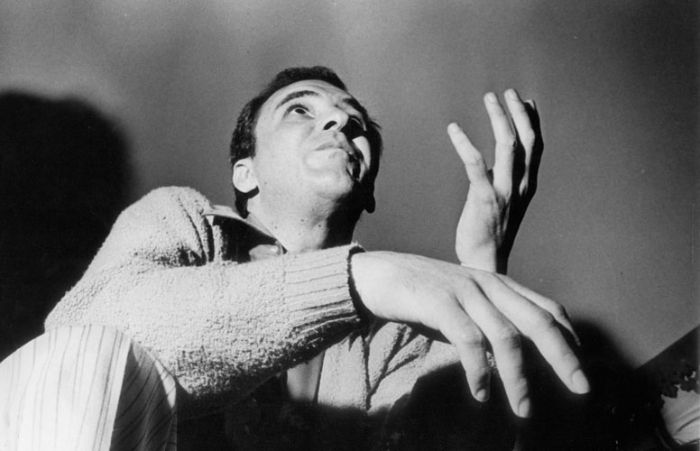 João Gilberto em contra-plongée