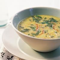 - Rød Linsesuppe med kokosmelk - red lentil soup with coconut milk, double amount of lentils, add spinach