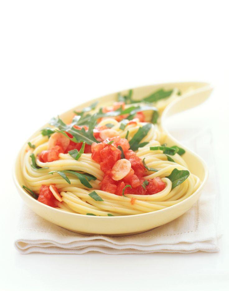 Spaghetti mit Tomaten-Rucola-Sugo | Kalorien: 593 Kcal - Zeit: 45 Min. | http://eatsmarter.de/rezepte/spaghetti-mit-tomaten-rucola-sugo