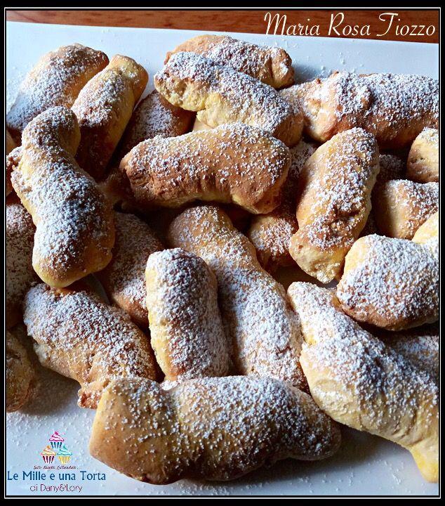 BISSIOLE, DOLCI TIPICI DI CHIOGGIA RICETTA DI: MARIA ROSA TIOZZO Ingredienti: 500 g farina 100 g zucchero 100 g burro 2 uova 1 bustina di lievito