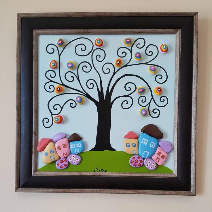 Tablonun çerçeveli hali. 31.5x31.5 cm. #tasboyama #tastasarim #stoneart #paint #creative #tablo #dekorasyon #village #doga #manzara #landscape #ağaç #nazar #couleurs #handmade #elyapimi #kisiyeozelhediye #gift #satilik #siparisalinir