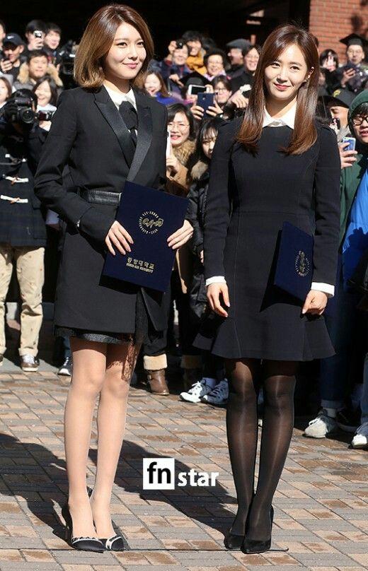 Yuri and SooYoung graduated from ChungAng University today! ~권유리 최수영 학위수여식 사진 + 졸업 앨범 사진  20150214중앙대졸업권유리각선미다리라인각선미