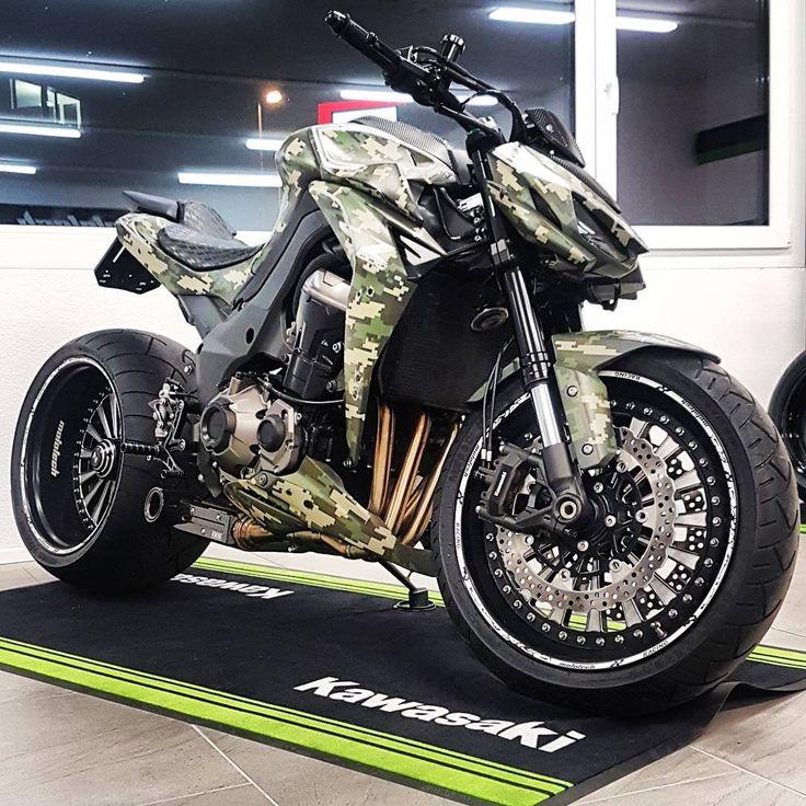 Tuned up Kawasaki Z1000