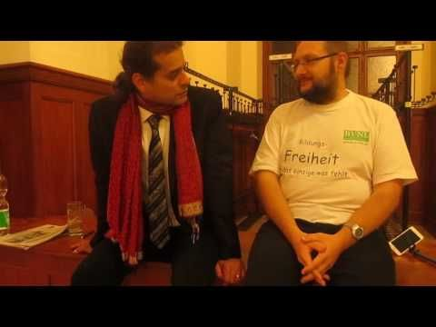 """André Stern, der wohl berühmteste Freilerner Europas im Interview nach seinem Vortrag """"Leben und lernen aus Begeisterung"""" in Jena. Nach dem Vortrag waren sch..."""