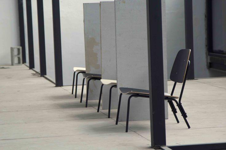 A inspiração para a Linha Ginásio, da coleção em parceria com o Marcelo Rosenbaum e o Fetiche, é o mobiliário escolar e industrial.