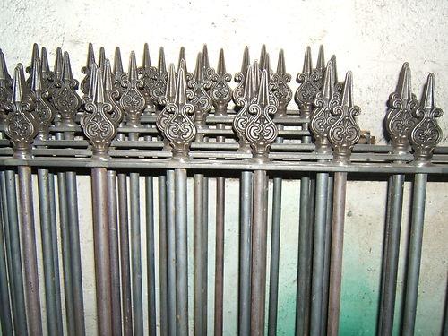 Les 19 meilleures images du tableau grilles fer forg sur pinterest grille fer forg for Grille porte fer forge occasion