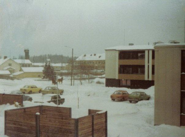 Kansakoulunkatu 1970 |  via http://www.pinterest.com/anselmi82/vanha-jarvenpaa/ | Järvenpää Finland.